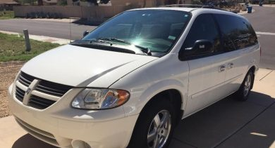 Denise in Goodyear Just Got $5100 for a 2005 Dodge Grand Caravan